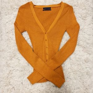 buttoned ribbed sweater